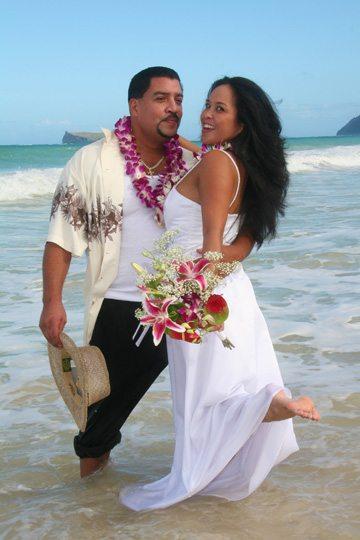 Barefoot Hawaii Beach Wedding In Oahu And Kauai Sweet