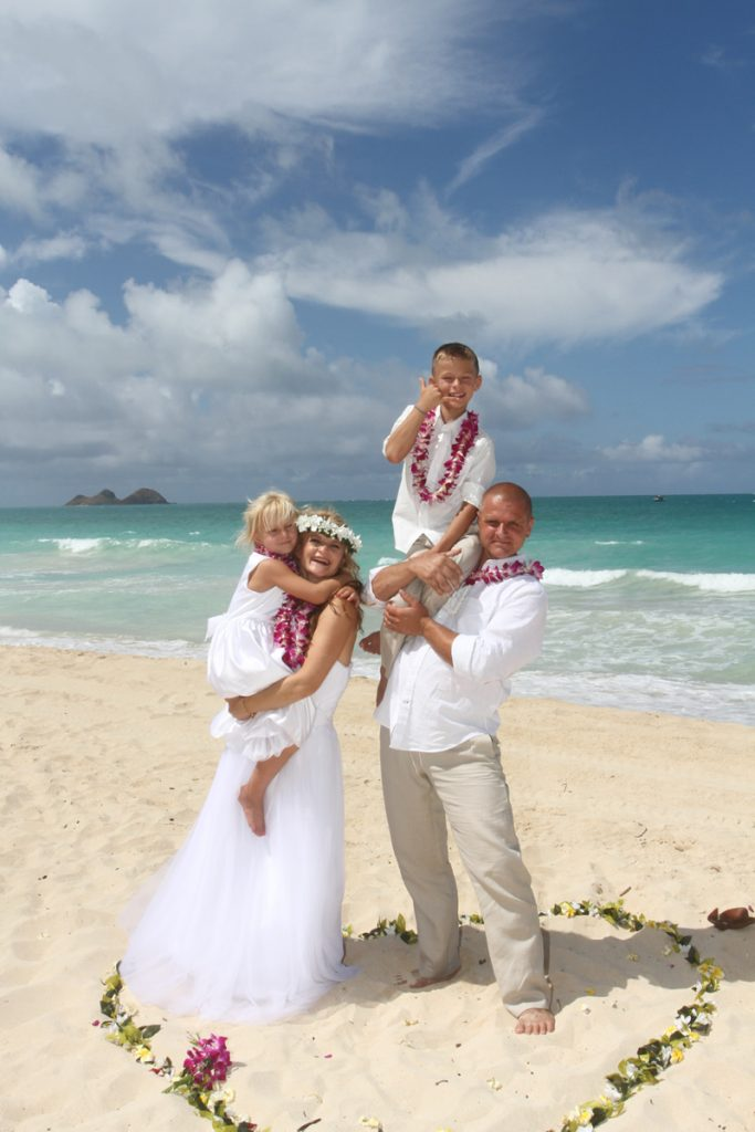 Hawaii Vow Renewal family on the beach