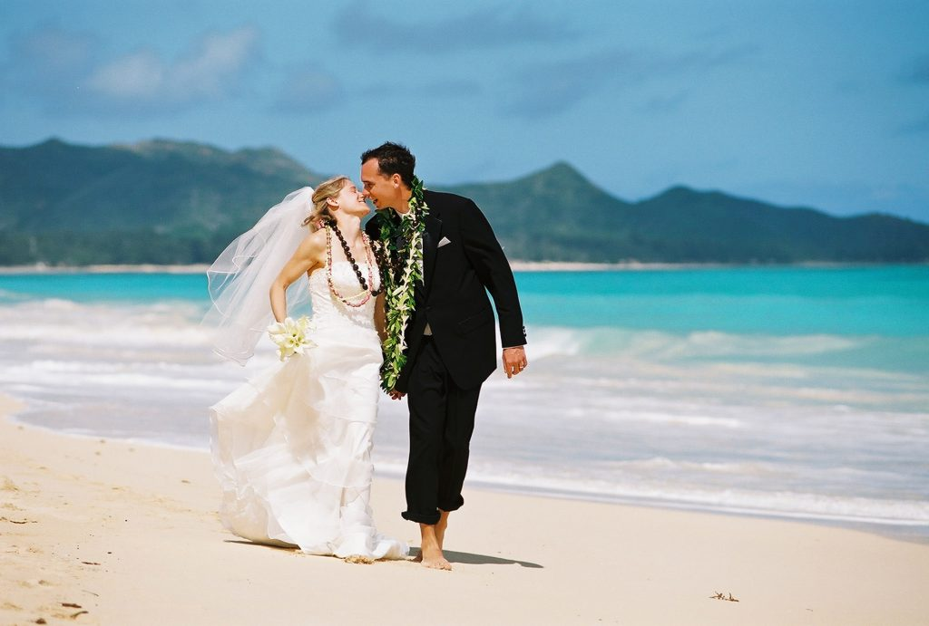 barefoot delight sweet hawaii wedding package