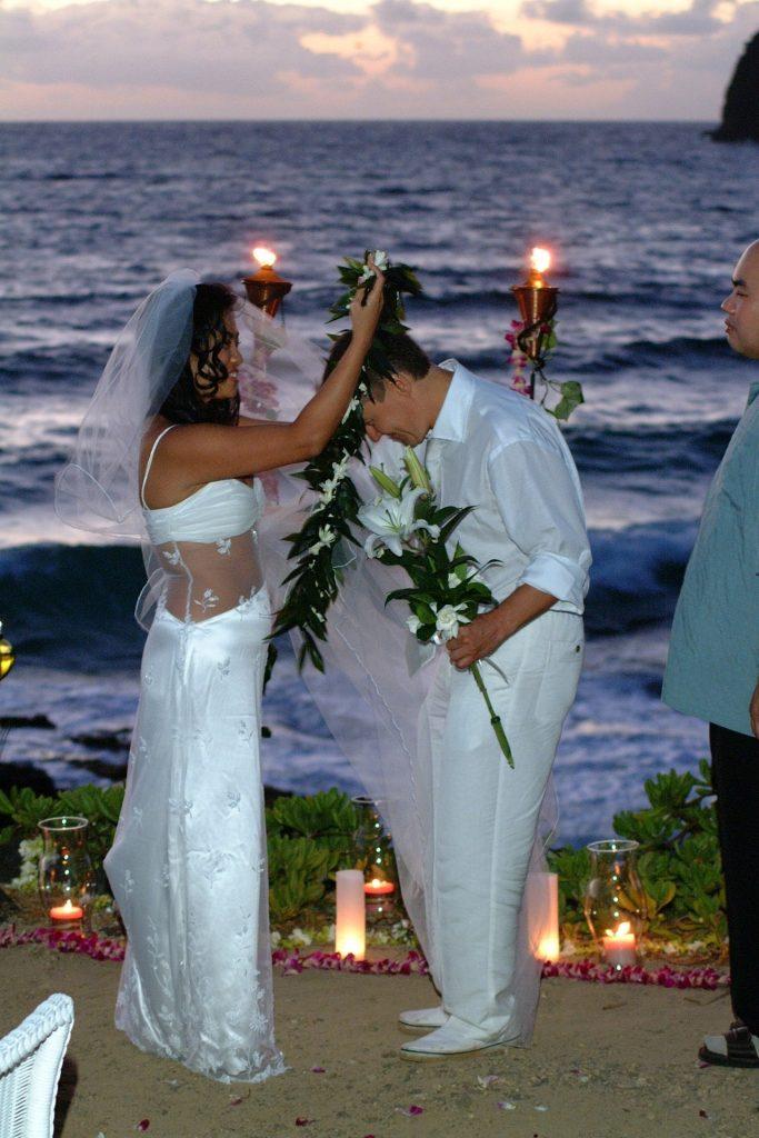 Sacred hawaiian wedding photo gallery sweet hawaii wedding simply sacred gallery 11 junglespirit Images