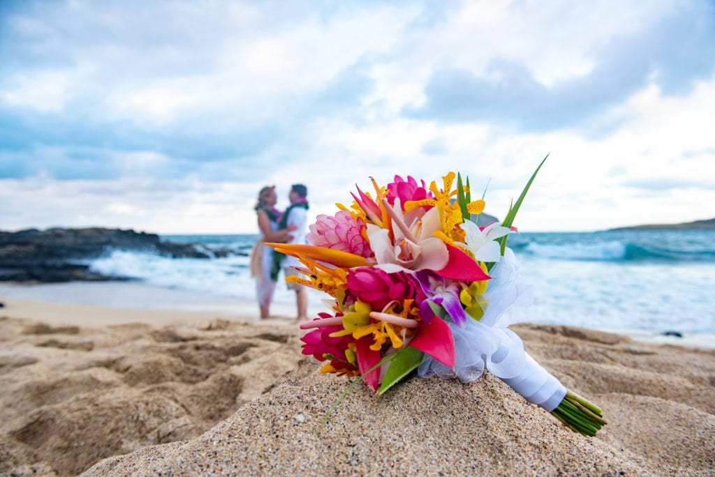 hawaii wedding tropical bouquet