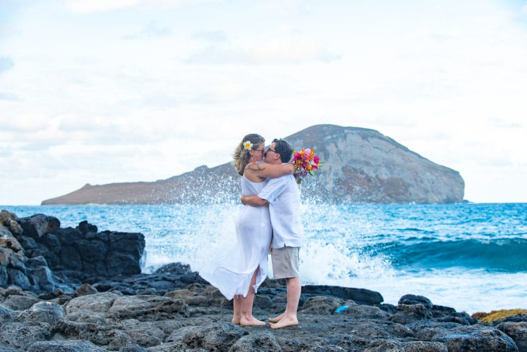 makapuu hawaii wedding crashing waves