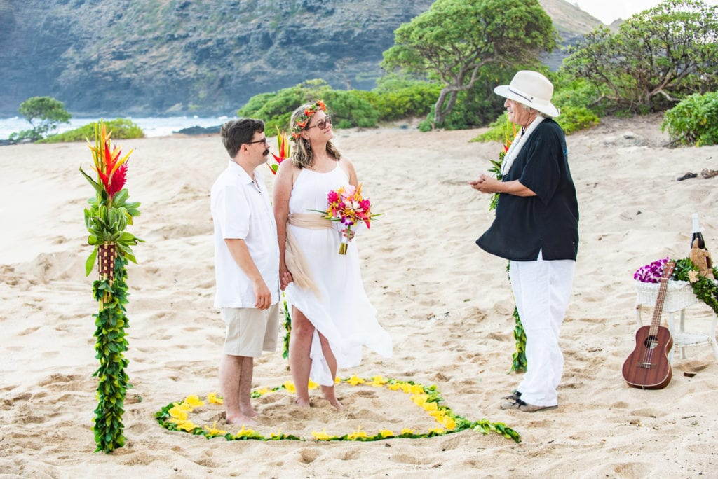 Hawaii Beach Wedding - Sacred Hawaiian on Makapuu
