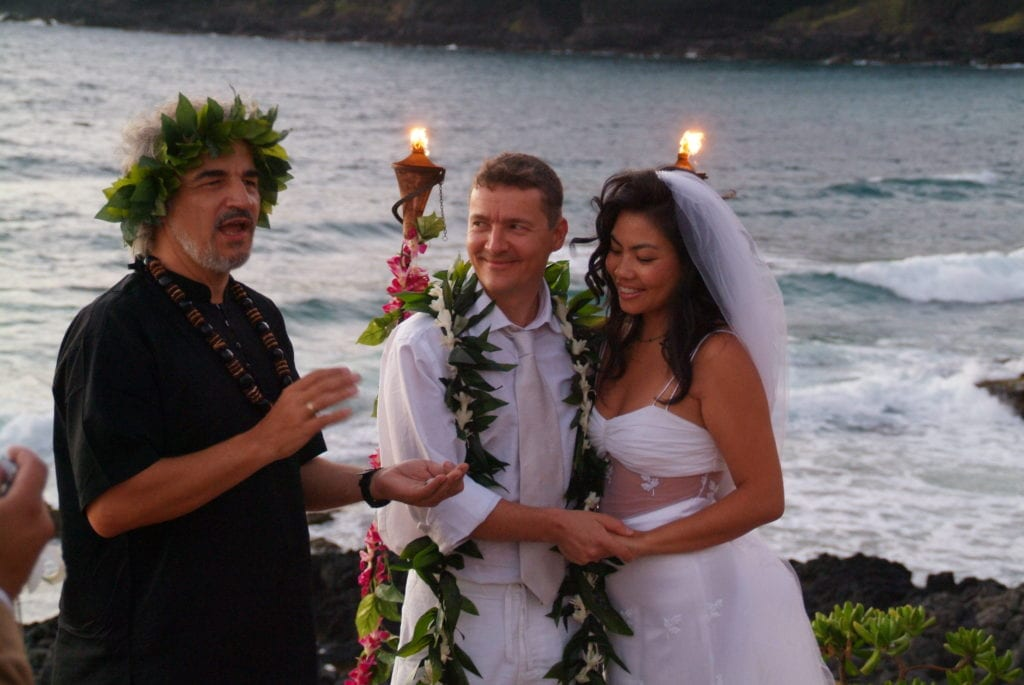 sacred hawaiian wedding ceremony tikis