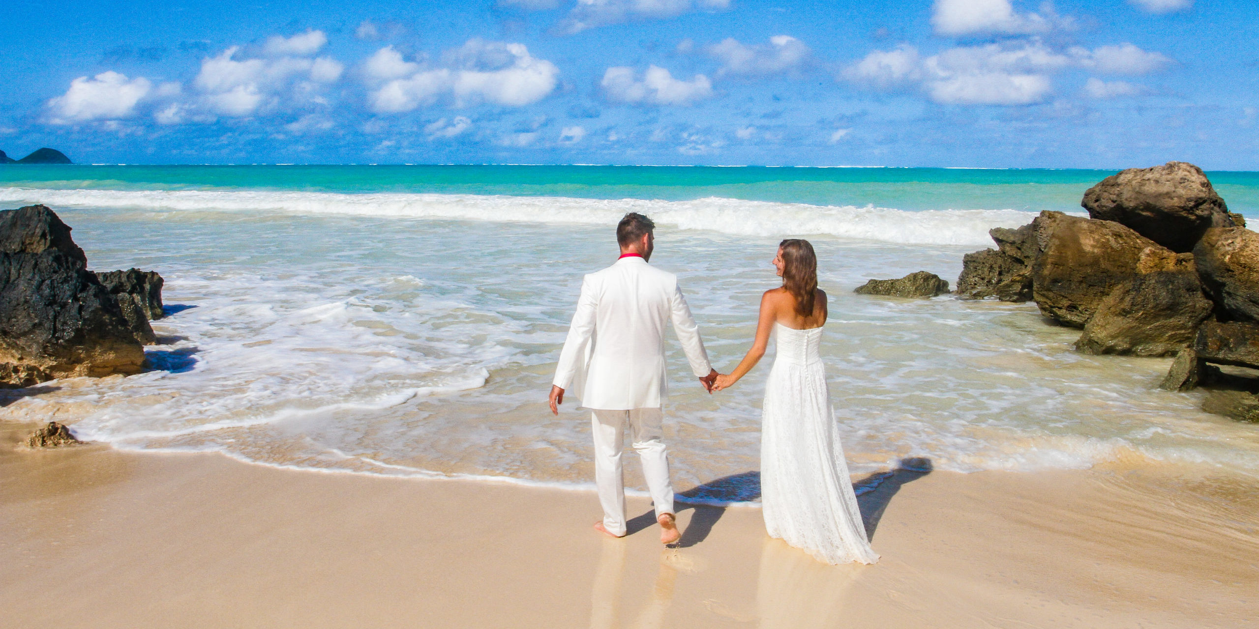 barefoot delight hawaii wedding