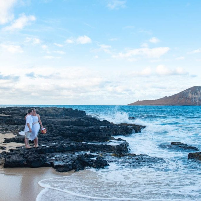 hawaii wedding elopement makapuu