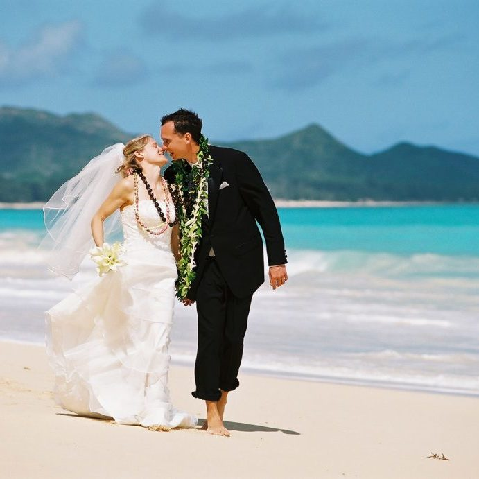 barefoot delight sweet hawaii wedding package